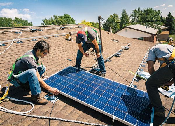 Installation von Sonnenkollektoren